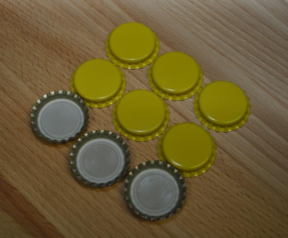 Korunkové zátky žluté - 100ks