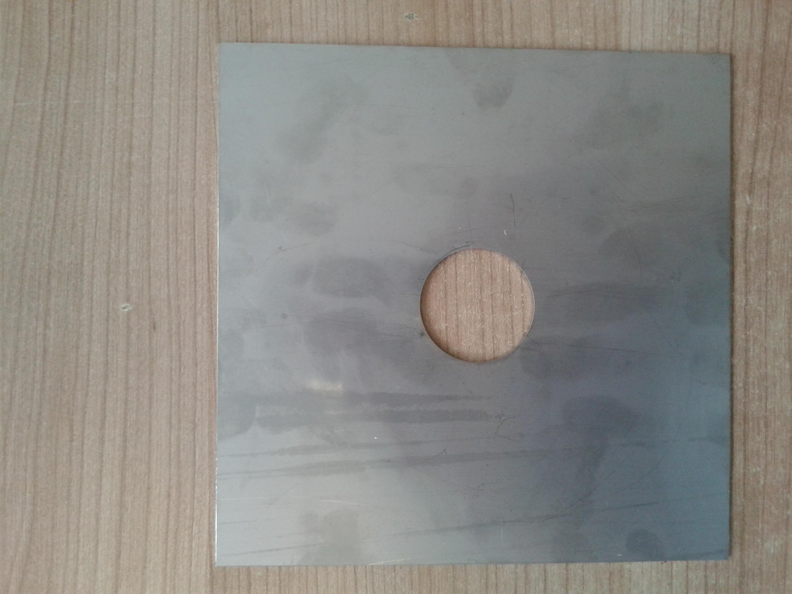 Vymezovací plech stojanu 180x180/40mm