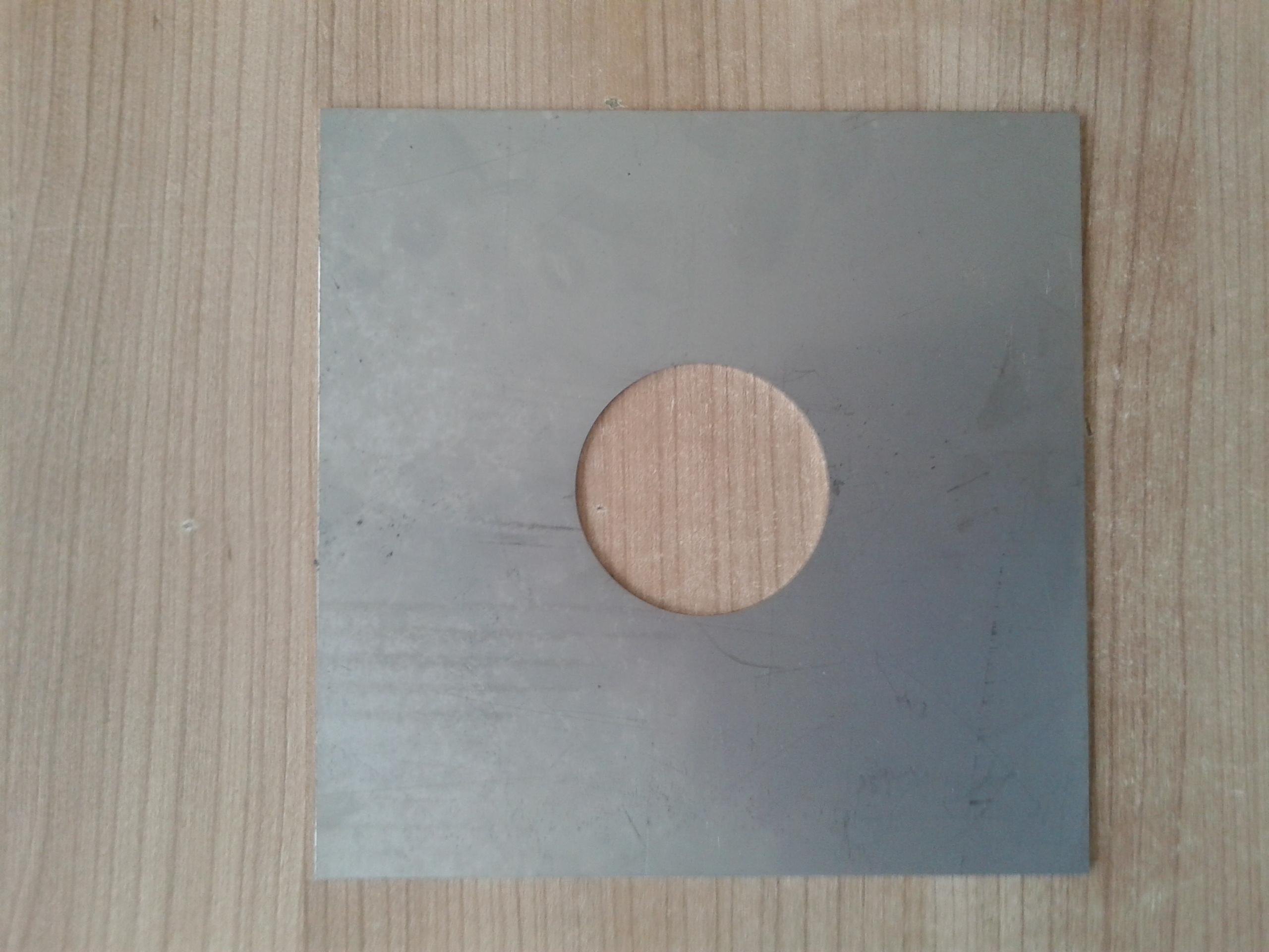 Vymezovací plech stojanu 180x180/60mm